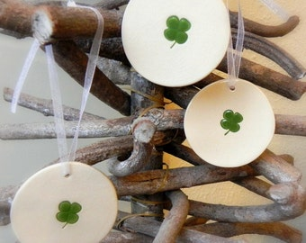 St. Patrick Ceramic Shamrock Ornaments Round Clover Home Decoration White and Green Gift Set of 3
