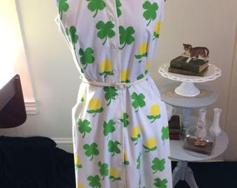Lucky In Love- 1960's The Vested Gentress dress