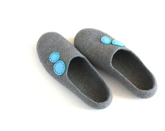 Women house slippers - felted wool slippers Grey and blue - made to order - Mothers day gift - gift for her - wool clogs - women slippers