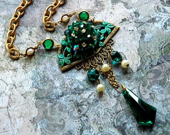 Neo Victorian Necklace - Green and Faux Pearl Regency Vintage Elegant