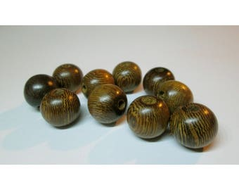 10 wooden beads - 12 / 13mm - natural shades