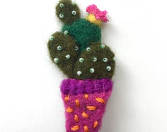 Needle felted wool zingy fun cactus cacti brooch pin badge