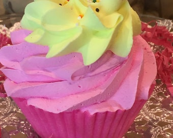 La La Lemon Cupcake Bath Bomb