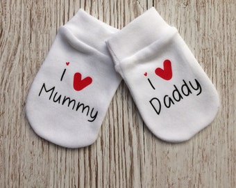 I love Mummy or I love Daddy Baby Scratch Mitts