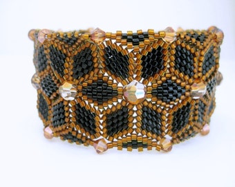Beaded Bracelet  / Peyote Bracelet with Swarovski Crystals in Black and Amber / Seed Bead Bracelet / Herringbone Bracelet /  Statement