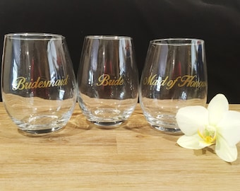 DIY Bridal Party Wine Glass Decal