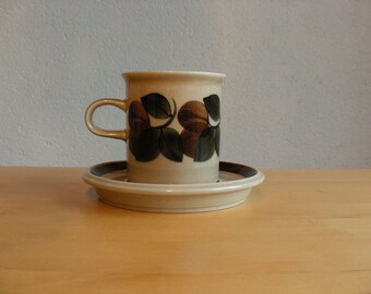 Vintage Arabia Finland Ruija coffee cup and saucer