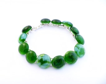 Recycled wine bottle link bracelet in green and frosted glass/Handmade upcycled bracelet from kiln-fused green and frosted glass