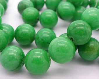 6 jade 16 mm emerald green sprinkled a hue hole 1.5 mm