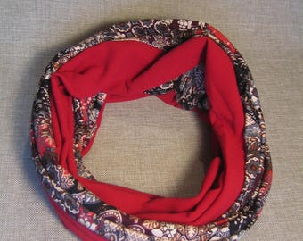 Round neck, double snood, loop scarf