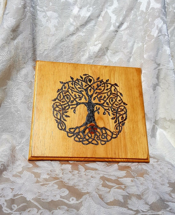 Custom order - Celtic knot Tree of Life with labradorite inlay
