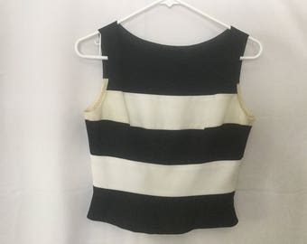 By Laundry, needs dry cleaning, Short Black & White sleeveless top with side zipper Size 4p