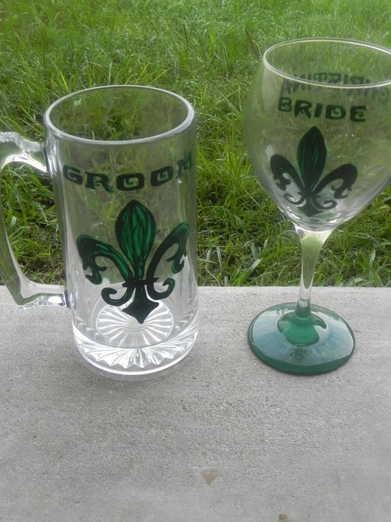 Bride and Groom Gothic Fleur de lis Red Wine glass and Beer Mug