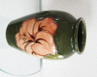Moorcroft Vase Hibiscus Coral Olive Green England 1968