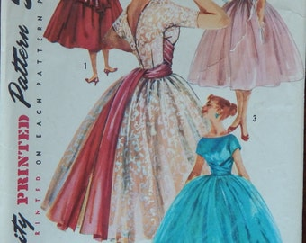 "Dress with Gathered Skirt Sewing Pattern V Back Fitted Bodice/Vintage 1950s Simplicity 1795/Misses Womens Size 12  Bust 33""/Overskirt"
