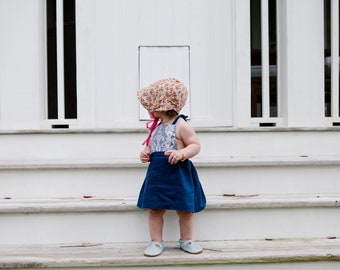 2T toddler dress// navy pinafore // navy pinny // navy and lace pinafore // navy girls dress // fall outfit