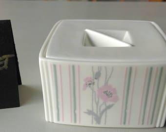 GIFT IDEA! COALPORT bone china Trinket box. candy transfer print. Free gift wrapping.
