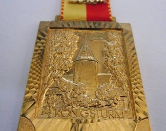 Elaborate medal-6th int. Race-MTV Bockenem-King's Tower-by 1977-Vintage sporting collector badge