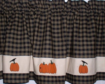 Hand Painted Primitive Pumpkins with Crows Valances Tiers Runners Plaid Homespun Black Green Navy Fall Decor Harvest Thanksgiving Stars