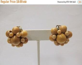 On Sale Vintage Wooden Beaded Cluster Earrings Item K # 2782