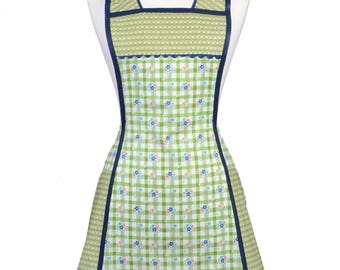 Plus Vintage Women's Apron in Green and Ivory Plaid with Dainty Floral Pattern. Large Pockets and Over the Head Neckband - Gift for Mother