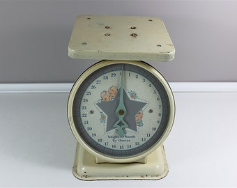 Vintage Columbia Family scale from early 1900  - Vintage baby scale - Antique kitchen scale - Vintage kitchen - Decorative scale