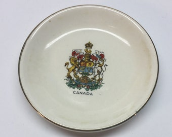 Canada's Coat of Arms Pin Dish Wood and Sons England Canada Coat of Arms Ivory 3 inch