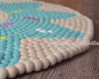 Off white doughnut felt ball rug, felt ball mat, round felt rugs, nursery rug, kids room rug, felt ball rug, PomPom rug, Teppich rund