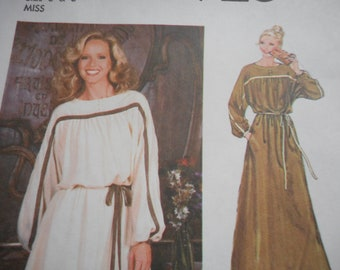 Vintage 1970's Simplicity 8926 Dress Sewing Pattern Size 6 & 8, Bust 30.5, 31.5