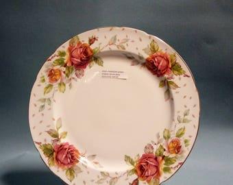 Paragon Golden Emblem Dinner Plate, 8 Available
