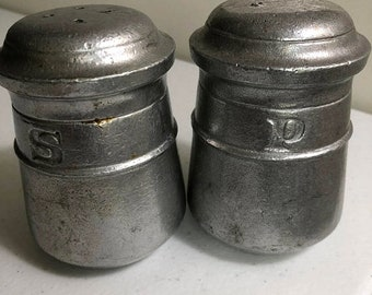 APRILSALE Vintage, 1973, Pewter, Salt and Pepper Shaker Set DC6300 & DC6301