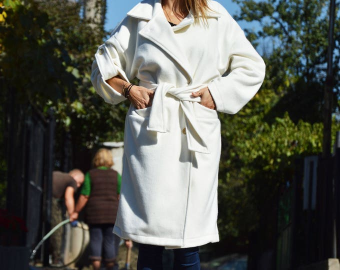 White Cashmere Winter Loose Coat, Extravagant Sleeves Cashmere Coat, Warm Cashmere Blend by SSDfashion