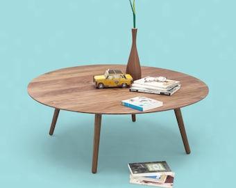 Kaffeetisch , runder Tisch, Beistelltisch, aus massivem amerikanischem Nussbaum Bord