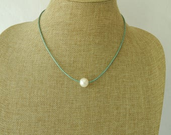 Metallic turquoise leather pearl choker, boho style jewelry, pearl on leather, beach boho, festival chic jewelry, summer resort jewelry
