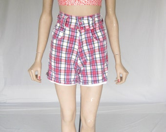 Vintage 80s Plaid High Waisted Shorts. X Small