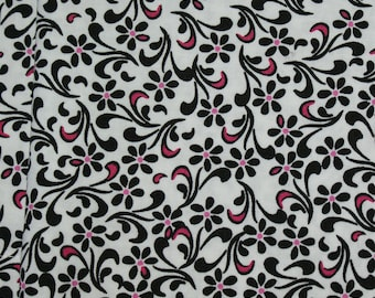 Flower Pattern Cloth Napkins Black and White with Splash of Pink 15 x 15  set of 4 Dinner Napkins
