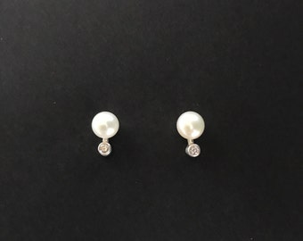Sterling silver, pearls and cubic zirconia stud earrings small delicate elegant design vintage cz