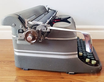 1948 Smith Corona Super-Speed Manual Typewriter, Working, Made in Canada