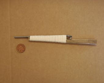 one sixth, or play scale miniature improvised rifle.