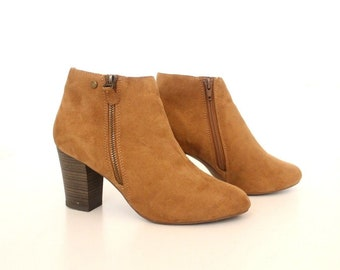 Women's Vintage DUFFY Cuban Heel Brown Faux Suede Ankle Boots Size UK5 EU38