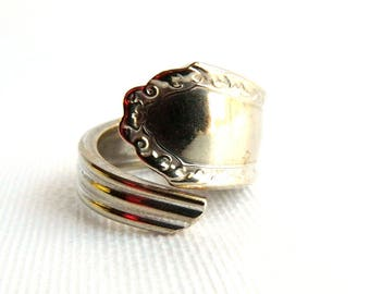 Vintage 1960s Silver Plated Spoon Ring - Repousse Chased Designs - 12 Grams - Initial Engraveable - Men's Lady's - Size 10 - Signed USA