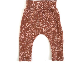 Baby pants 6-12m SALE, organic baby leggings rust, gender neutral baby pants, gender neutral pants, organic baby clothes, baby harems