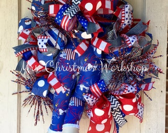 Patriotic wreath Uncle Sam wreath top hat summer wreath deco mesh wreath red white and blue peanuts wreath snoopy wreath