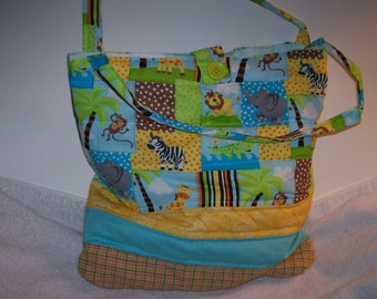 Attractive and spacious African animals tote.  t114lz