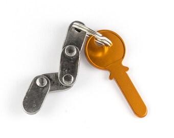 Hand forged iron chain keychain - blacksmith made - iron gift
