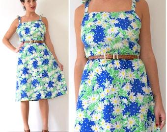 Vintage 70s Daisy Print Tie Shoulder A Line Sun Dress (size large, xl)