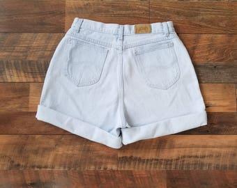 Vintage 80's Super High Waisted LEE Mom Denim shorts Ligh Wash//Women's size 30