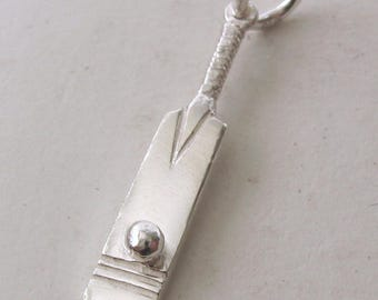 Genuine SOLID 925 STERLING SILVER 3D Cricket Bat with Ball Sport charm/pendant