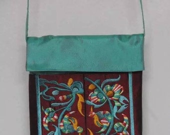 Ethnic style embroidery purse with floral pattern