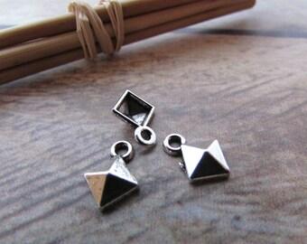 10 charm pyramid 11 x 8 mm sterling silver - hole 1.5 mm - 539.22